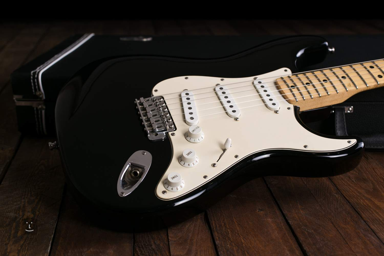 fender 1975 stratocaster body refinish electric guitar. Black Bedroom Furniture Sets. Home Design Ideas