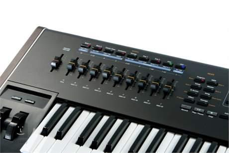 KURZWEIL PC3K6 Přenosné digitální stage piano