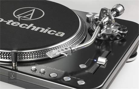 AUDIO-TECHNICA AT-LP1240USB DJ Gramofon s přímým náhonem