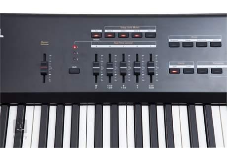 KURZWEIL SP5-8 Přenosné digitální stage piano