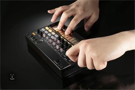 KORG Volca Beats Analogový groovebox