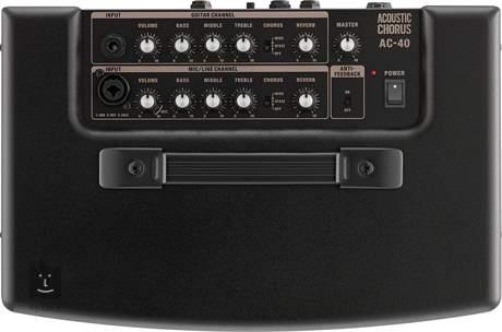 ROLAND AC 40 Kombo pro akustické nástroje