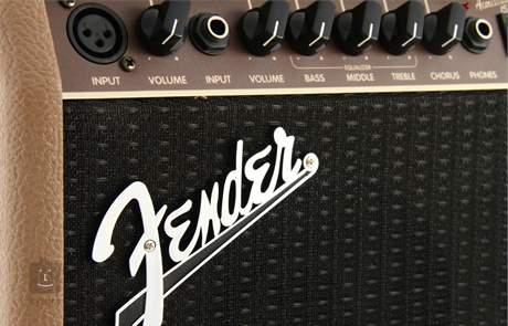 FENDER Acoustasonic 15 Kombo pro akustické nástroje