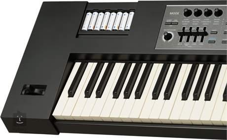 ROLAND JUNO-DS88 Syntezátor