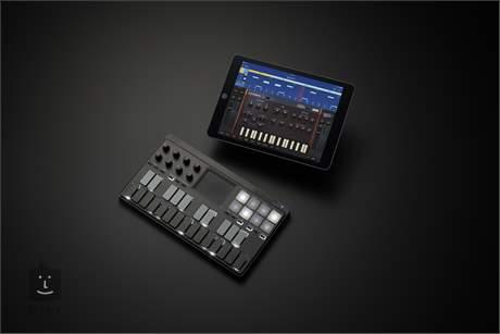 KORG nanoKEY Studio USB/MIDI keyboard