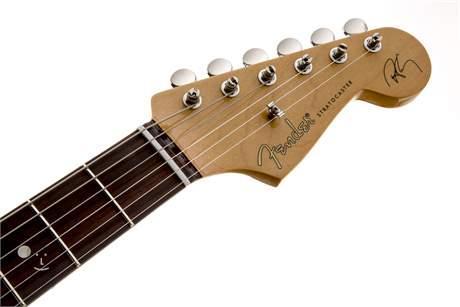 FENDER Robert Cray Standard Stratocaster RW IS Elektrická kytara