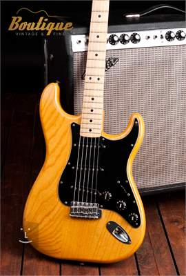 FENDER 1977 Stratocaster Elektrická kytara