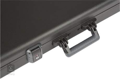 FENDER Deluxe Molded Strat/Tele Case, Black Kufr pro elektrickou kytaru