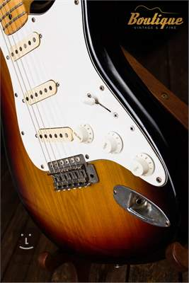 FERNANDES 1977 Stone logo Stratocaster Elektrická kytara