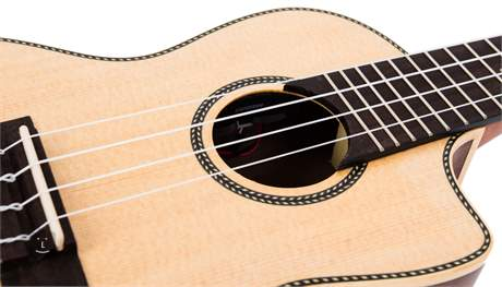 LAKA VUC80EA Elektroakustické ukulele