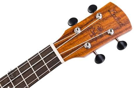 LAKA VUC90EA Elektroakustické ukulele