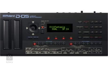 ROLAND D-05 Syntezátor