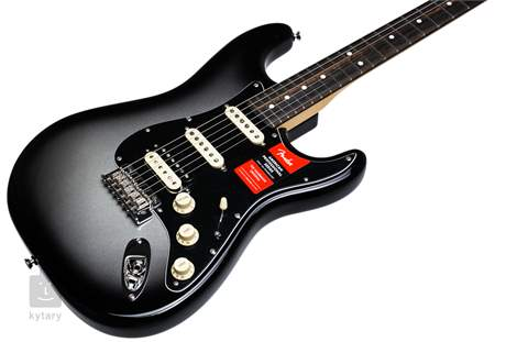 FENDER American Pro Stratocaster Limited Edition 2017 HSS SLVB Elektrická kytara