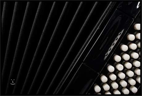 HOHNER Amica Forte IV 96 black Klávesový akordeon