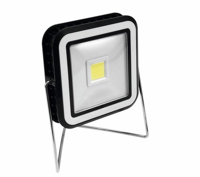 Eurolite LED solární pracovní svítilna s dobíjecí baterií
