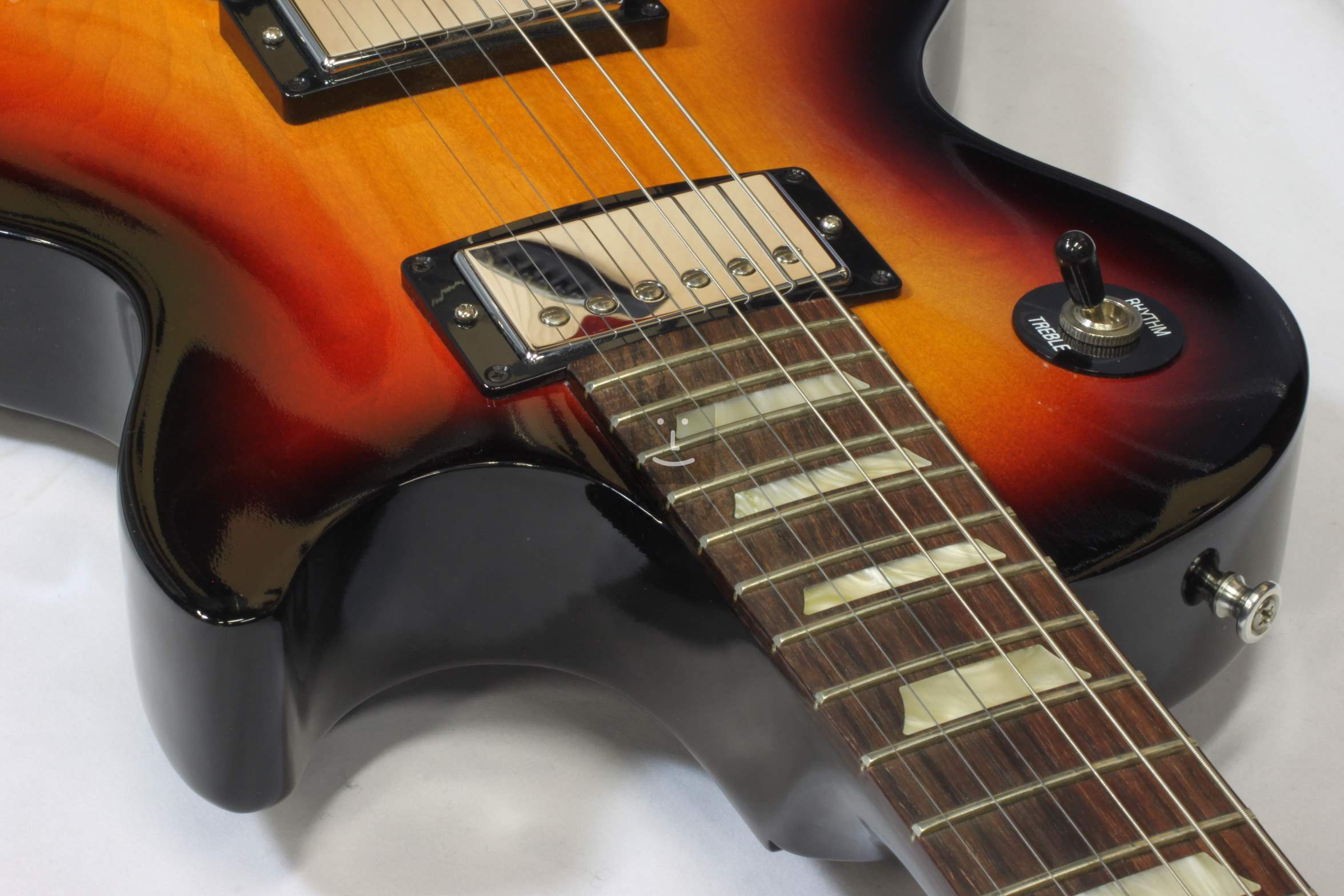Gibson les paul kytaryco děláte, když si chodíte s někým na střední škole